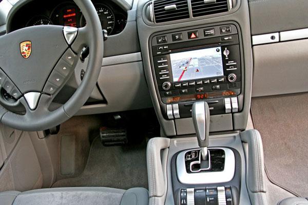 مشخصات فنی پورشه کاین V6