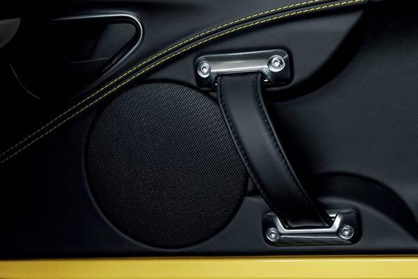 فروش اقساطی آلفارومئو 4C در سپند خودرو با شرایط استثنایی