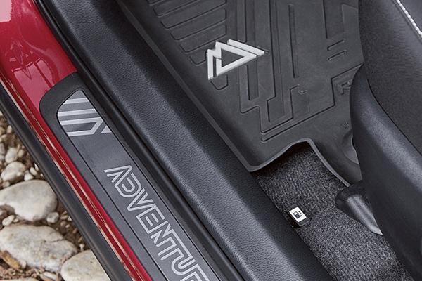 مشخصات فنی تویوتا راو 4 مدل 2018