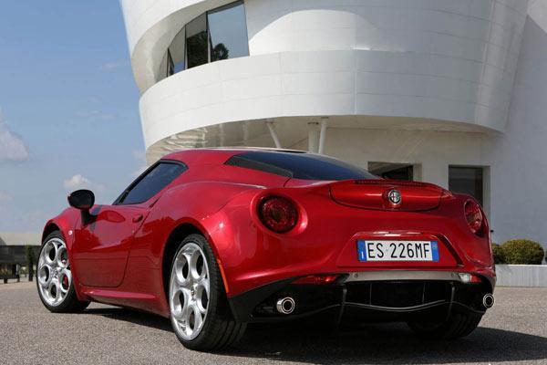 فروش اقساطی آلفارومئو 4C در سپند خودرو