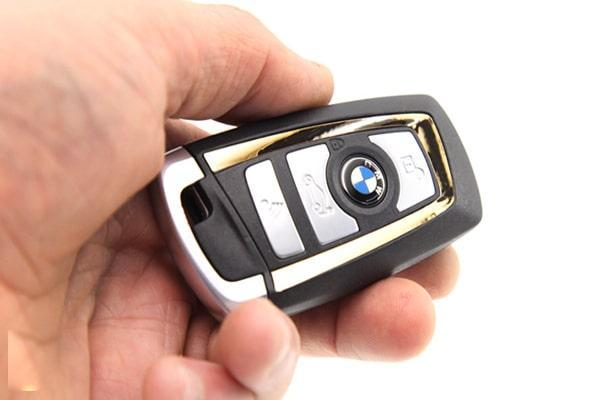 بررسی ریموت کنترل خودروهای دنیا