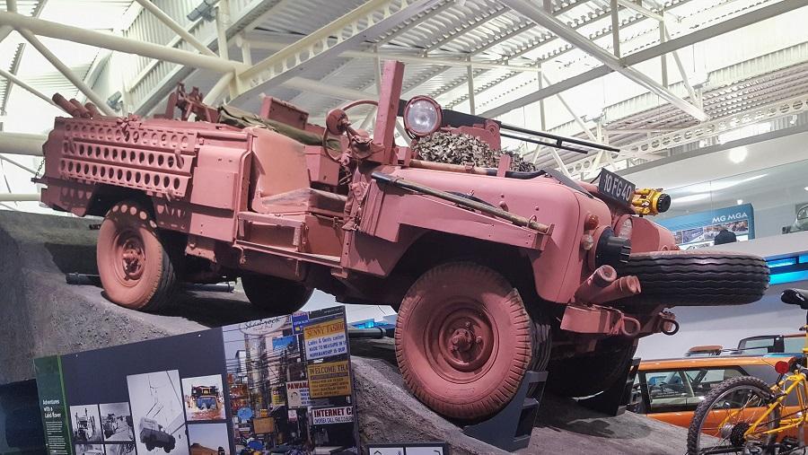 لندرور Series IIA Pink Panther SAS مدل 1968