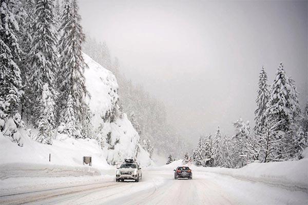 رانندگی در جاده های برفی
