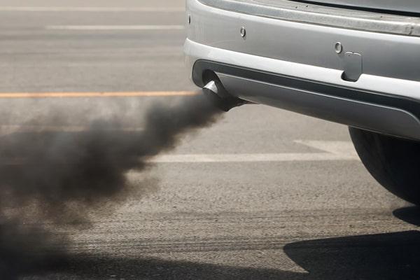 رنگ دود اگزوز از نکات نشان دهنده ایراد در موتور خودرو